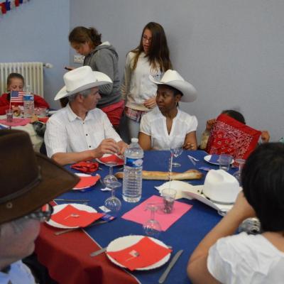 Soirée country organisée par le comité des fêtes d'Oulins le 20 Avril 2013